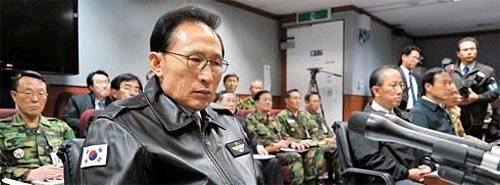 韩国军方承认首先开炮 向黄海增派部队