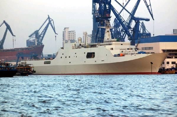中国071型坞登舰第二艘即将完工