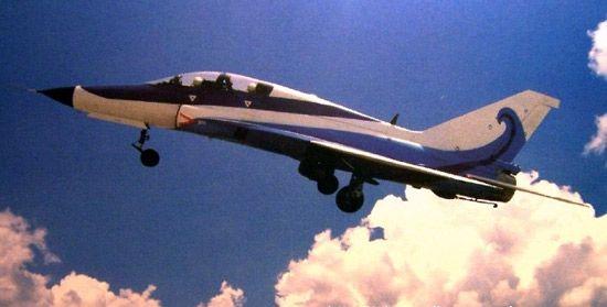 美媒称中国或用山鹰教练机训练航母舰载飞行员