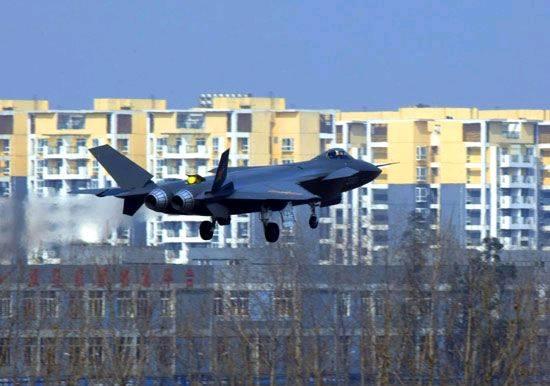 中国预警机隐形战机将获重大技术突破