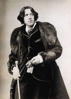 王尔德:被时代碾压的同性恋诗人