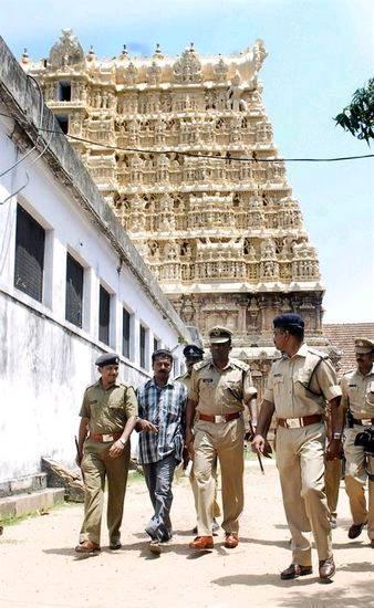 印度神庙发现逾1吨黄金钻石价值百亿美元