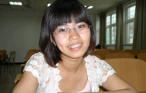中国评论新闻:越南华裔少女圆梦汉语之星舞台