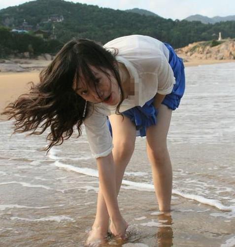 中国评论新闻:撒贝宁旧爱岑黎阑生活照曝光(组图)