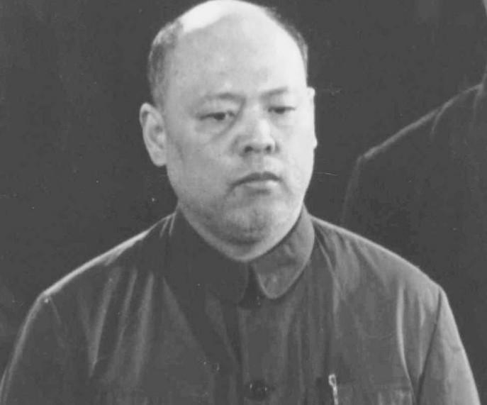 中国评论新闻:庭审四人帮:姚文元江青被审判现