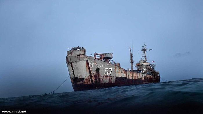 仁爱礁搁浅菲舰锈穿 被中国海警围困 - 江湖如烟 - 江湖独行侠